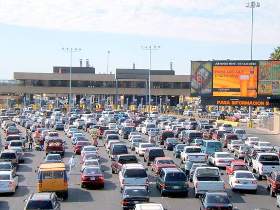 San-Ysidro-border-crossing